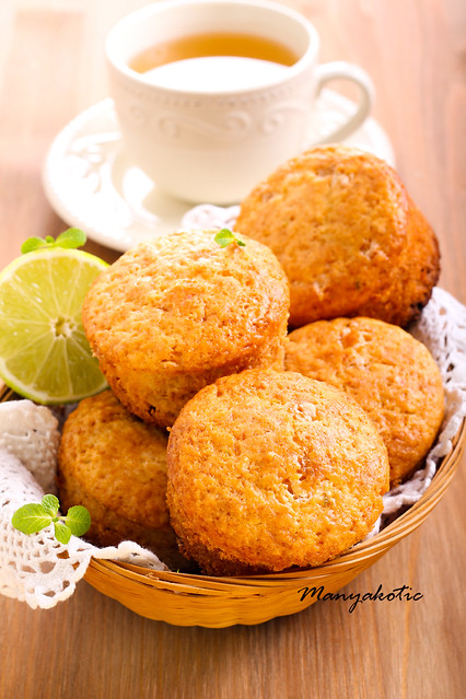lime cakes in basket
