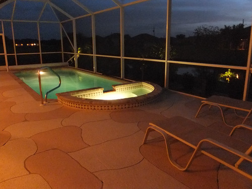 Pool area with Jaccuzi