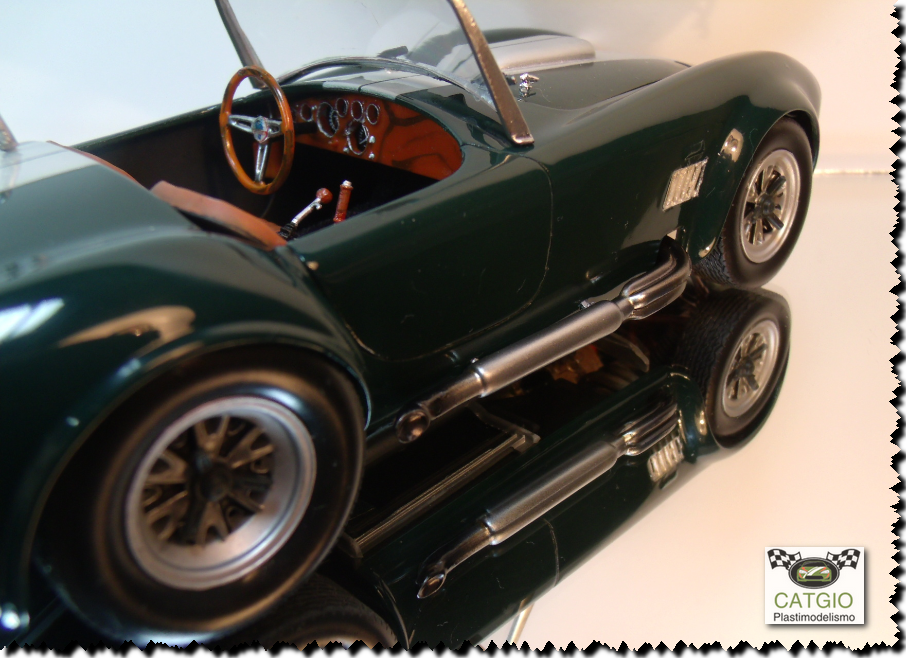 Shelby Cobra S/C - Revell - 01/24 - Finalizado 24/04 - Página 2 17043586277_1be338024f_o