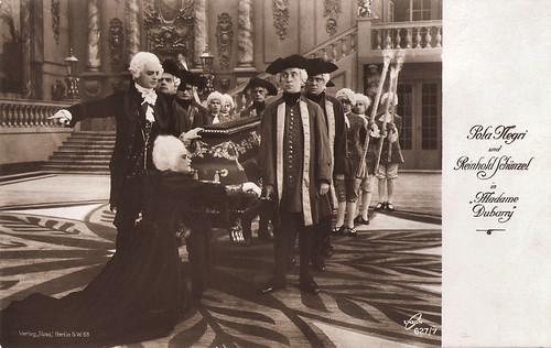 Pola Negri and Reinhold Schünzel in Madame DuBarry (1919)