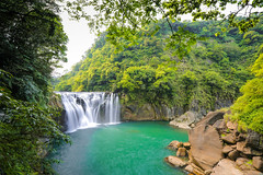 十分瀑布   (Shihfen Waterfall)