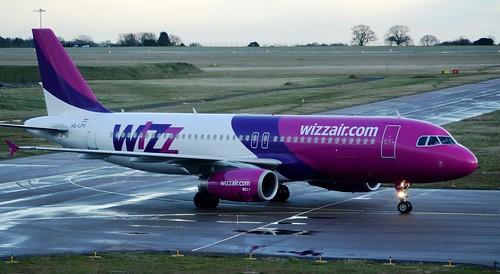 Wizz Air Airbus A320-232 HA-LPV Taxi