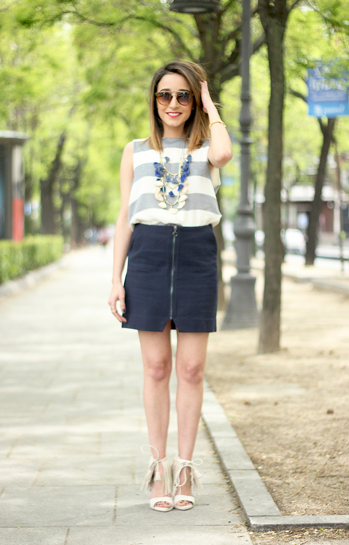 Blue Skirt Striped Top fringed sandals01