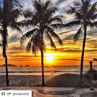Another #beach post, this one from Rio.  #Repost @porainorio ・・・ E que venham dias melhores. Afinal, paisagens como essa não merecem fatos tão tristes diariamente. 😞 foto show 📷📷🔝🔝🔝 de @bruno_soli :