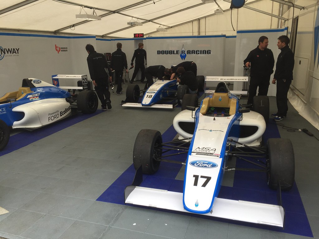 The Double R Racing garage at Donington Park for MSA Formula