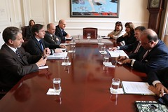 Deputy Secretary of State Tony Blinken, joined by U.S. Ambassador to Colombia Kevin Whitaker, meet with Colombian President Juan Manuel Santos and senior Colombian officials in Bogota, Colombia on April 28, 2015. {State Department photo/Public Domain]