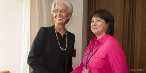 МВФ допоможе Україні впереговорах зкредиторами