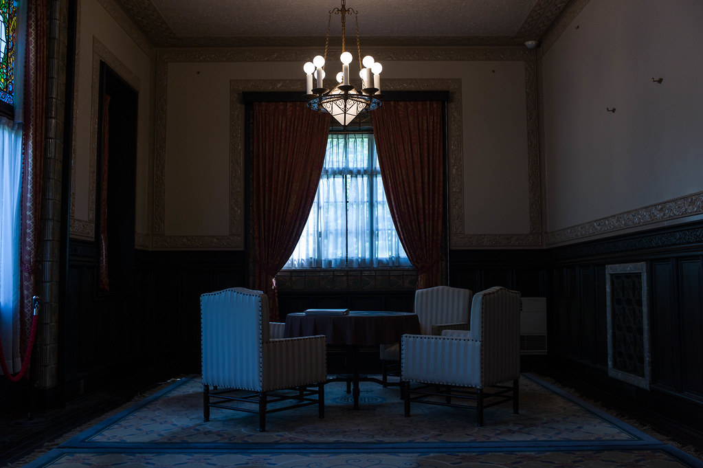 椅子と窓①
