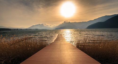 sunset lake mountains clouds dock kawaguchi yamanashi kawaguchiko