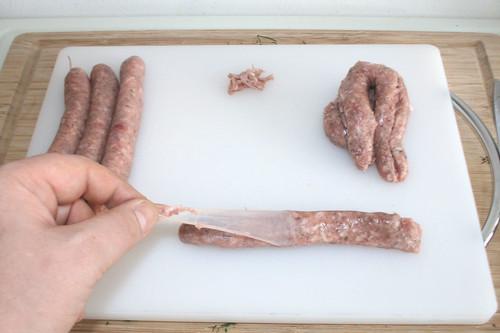23 - Pelle um Bratwurstbrät entfernen / Remove peeling