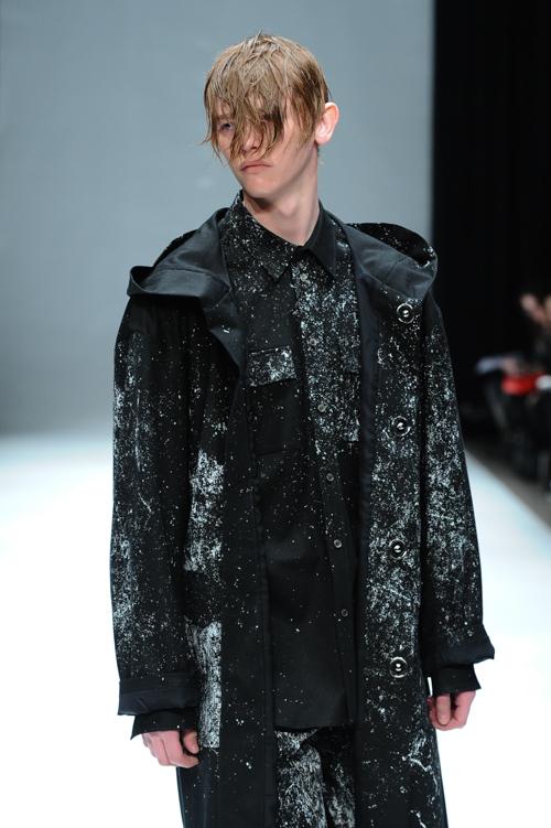 Robbie McKinnon3074_FW15 Tokyo DRESSEDUNDRESSED(Fashion Press)
