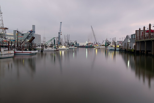 galveston marina boats harbor fishing texas cloudy le shrimpers iknowwhereyouare sunskycloud lookoutforpirates