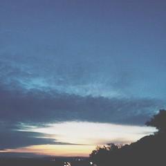 30.04.15 • sur la route, le jour se lève #VSCOcam