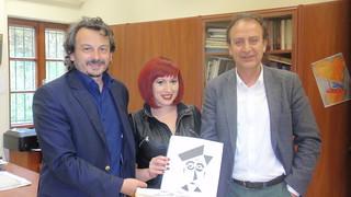 Βιβλία για παιδιά με προβλήματα όρασης παρέδωσε στο Ειδικό Σχολείο ο Δήμαρχος Ιωαννιτών