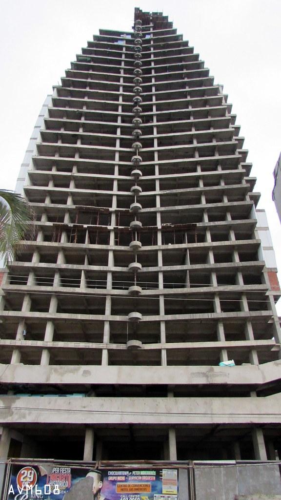 Cartagena hotel dubai cartagena 160m 525ft 40 fl for Edificio movil en dubai