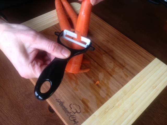 Making carrot curls