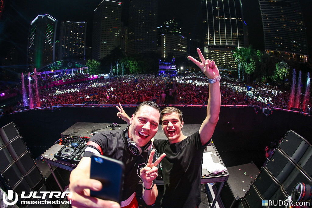 Tiësto & Martin Garrix @ Ultra Music Festival 2015 - Photo: © Rudgr.com