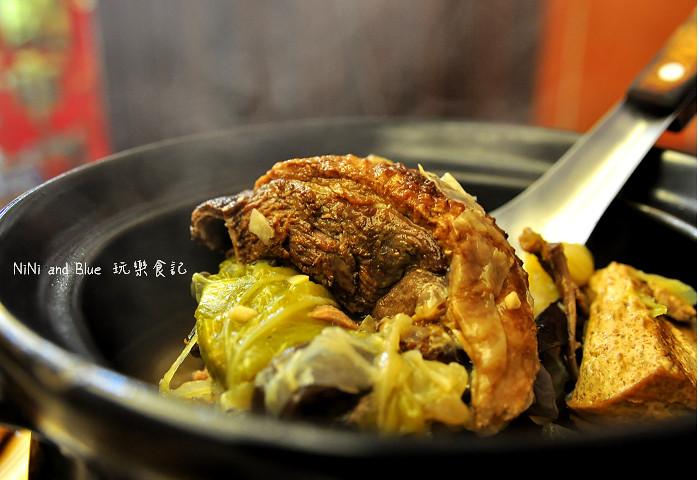 17927469408 38087a85f3 b - 李蕃薯担仔麵,一碗台南担仔麵,傳承一世人的回憶,桂蒜香酥鴨,美味萬壽公園對面