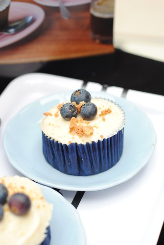 Blueberry Amaretti Trifle Cupcake from Hummingbird bakery
