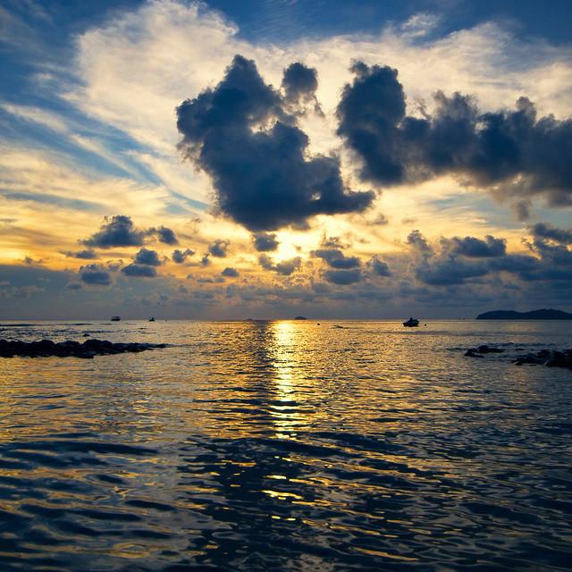 sunset salang tioman island malaysia