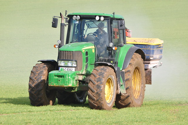 Broadcast Spreaders For Tractors : John deere tractor with a bogballe m fertilizer
