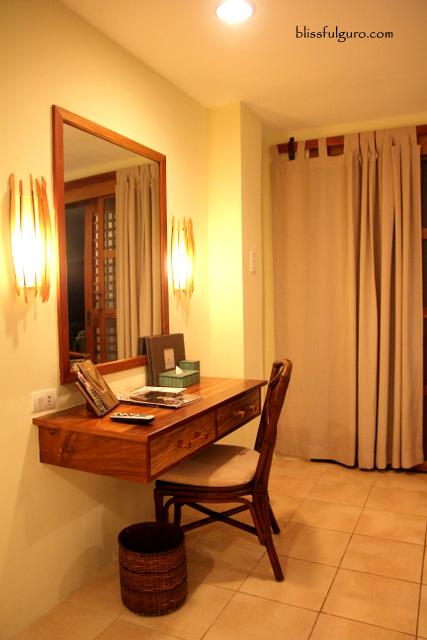 Maribago Bluewater Beach Resort Cebu Deluxe Room
