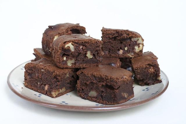 Brownies aux deux chocolats et aux noix