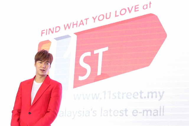 Lee Min Ho made an appearance at the 11street grand launch in NU Sentral