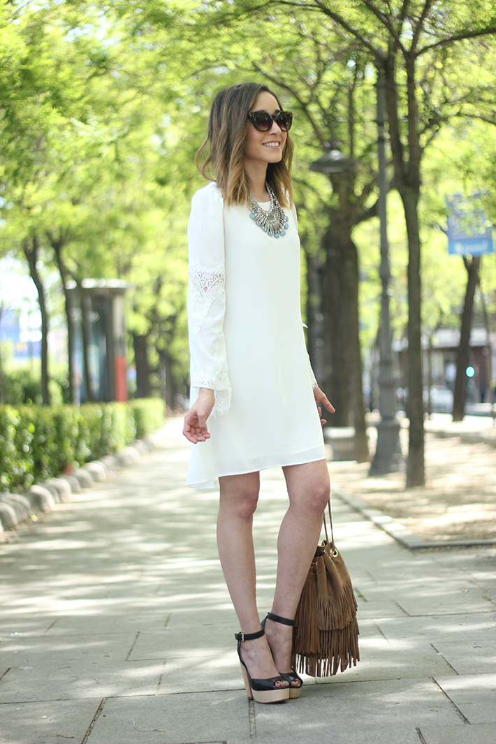 white dress with lace sleeves03