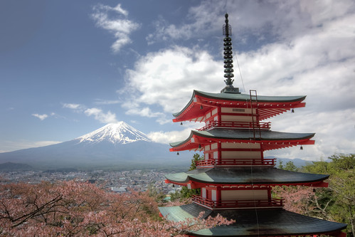 travel tower japan canon landscape spring day cloudy 日本 hdr mtfuji yamanashi 旅遊 櫻花 春天 1635mm 山梨縣 富士吉田市 5dmarkiii 忠霊塔 忠靈塔 新倉山浅間公園 新倉山淺間公園