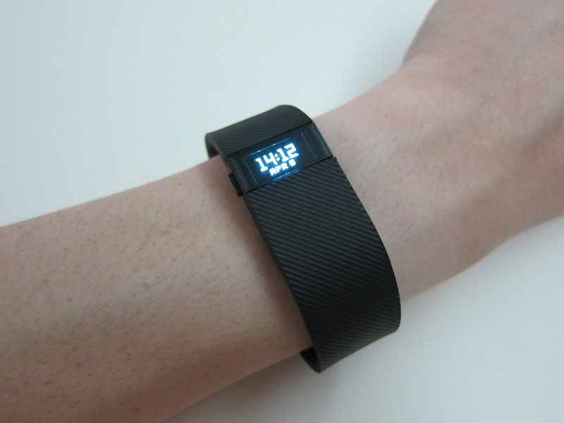 Fitbit Charge - Wearing