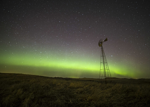light windmill night canon stars lights heaven space astrophotography aurora northdakota northern kp borealis 6d 14mm rokinon