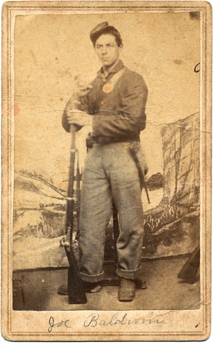 color soldier uniform union rifle tint civilwar weapon backdrop cdv cartedevisite firearm armed antiquephoto musket