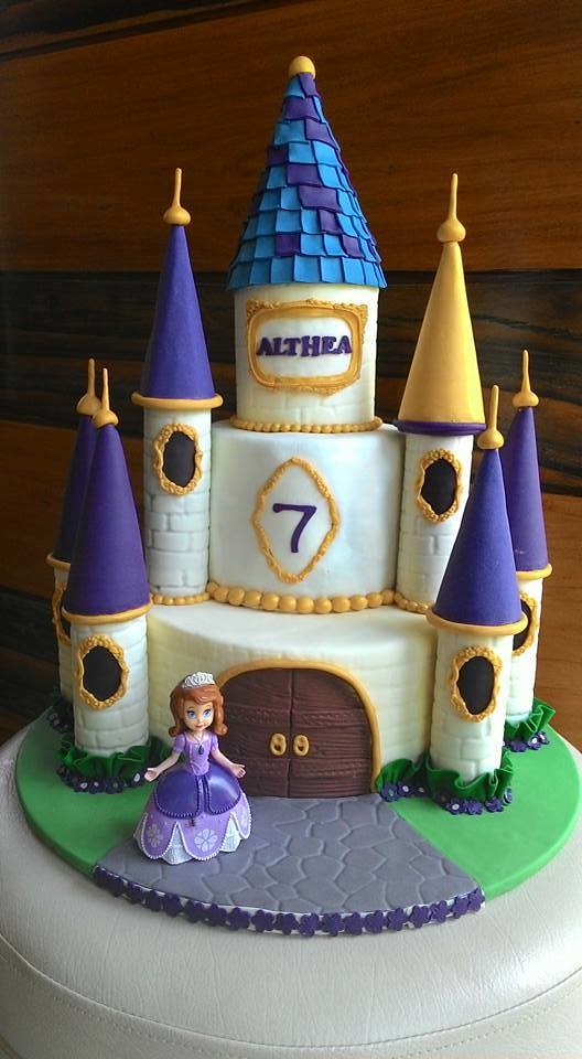 Princess Sofia Castle Cake by Mer Gondraneos of What's In The Box