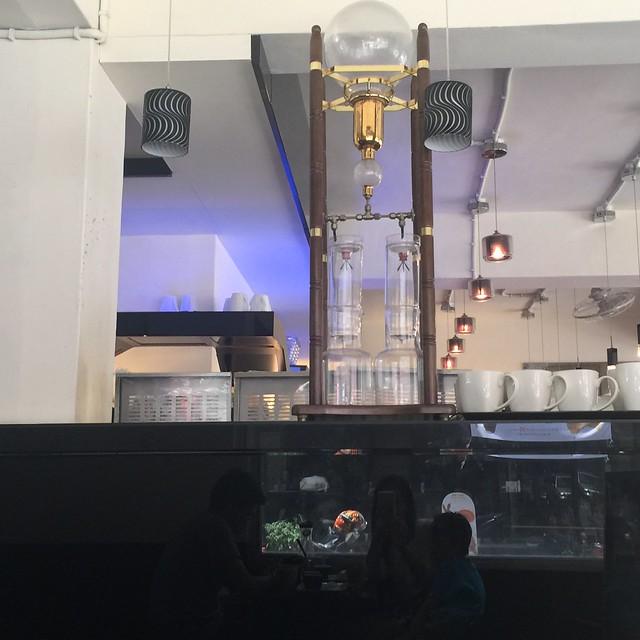咖啡因二店