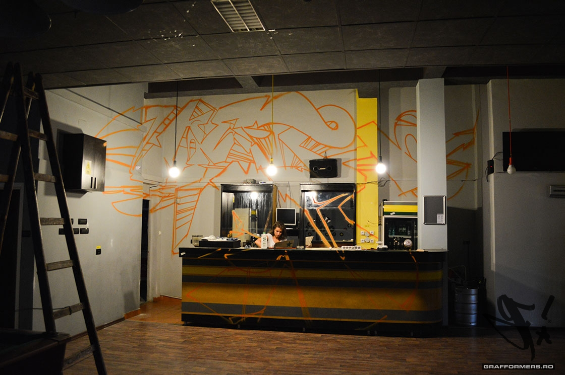 11-20140902-eight_gamebar_and_lounge-oradea