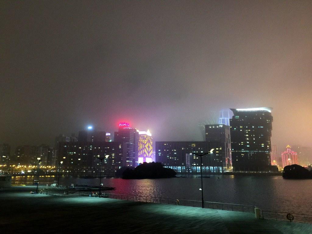 Macau - walking by the harbour-001