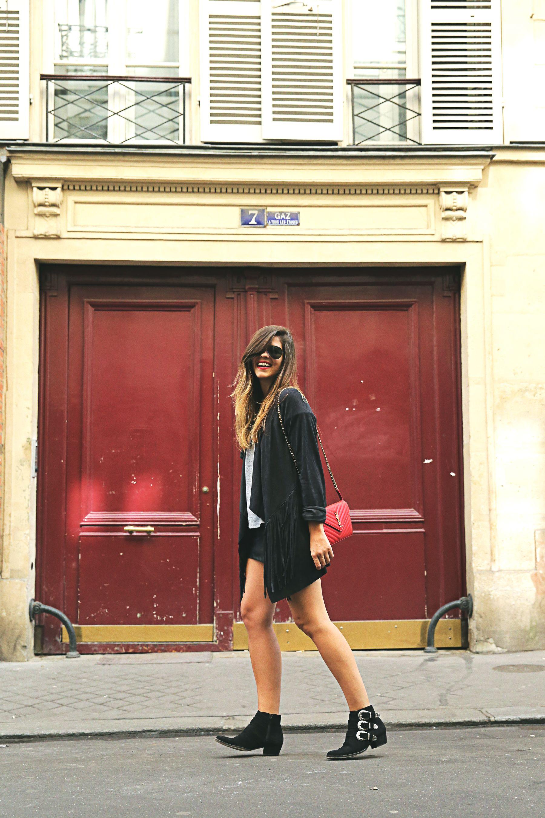trendy-taste-look-outfit-street-style-ootd-blog-blogger-fashion-spain-moda-españa-fringed-jacket-mustt-ysl-falda-mekdes-leather-piel-1