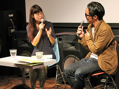 映画『ラジウム・シティ~文字盤と放射線・知らされなかった少女たち~』小林エリカさん(左)松村正人さん(右)