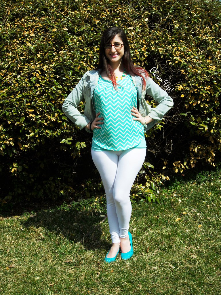 Mint chevron top, white leggings, and a denim jacket.