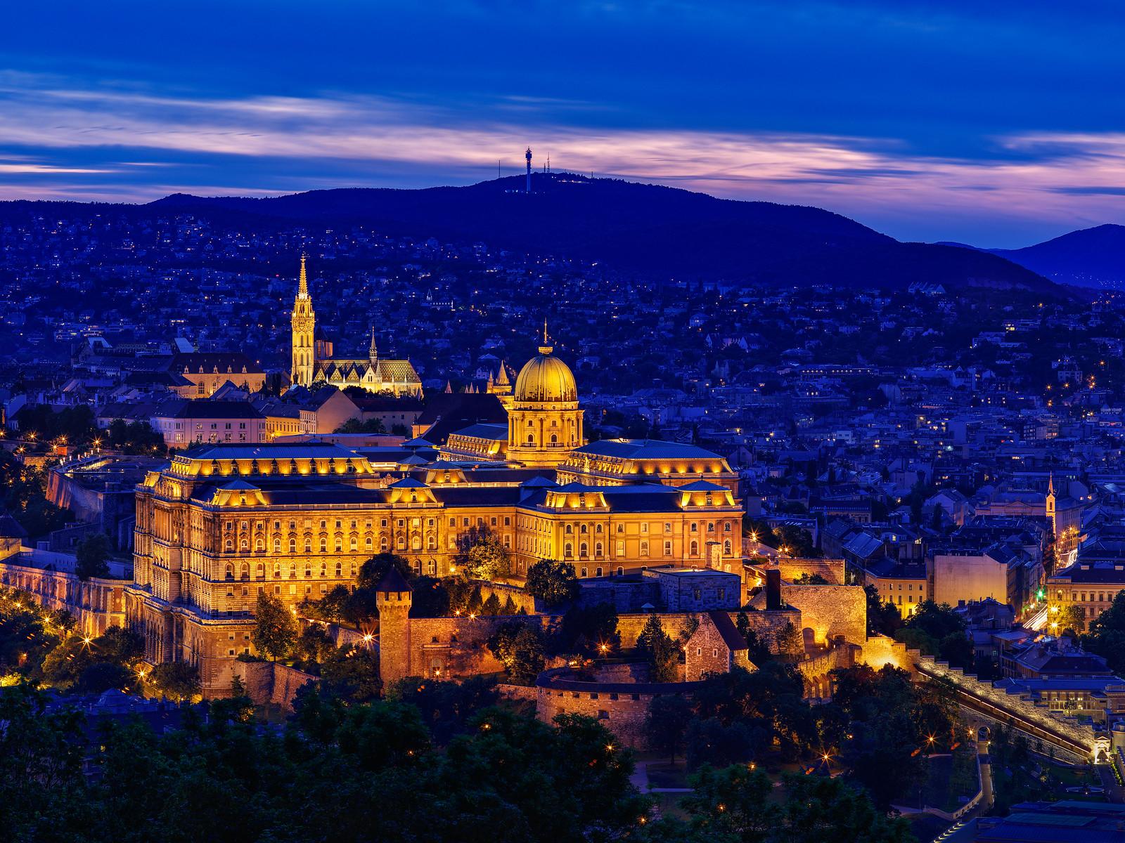 傍晚的布達佩斯皇宮 645z + 150/2.8