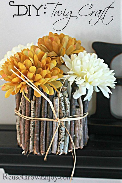 Astonishing Flower Vase to Add Warm Touches to Any Room in Your Space