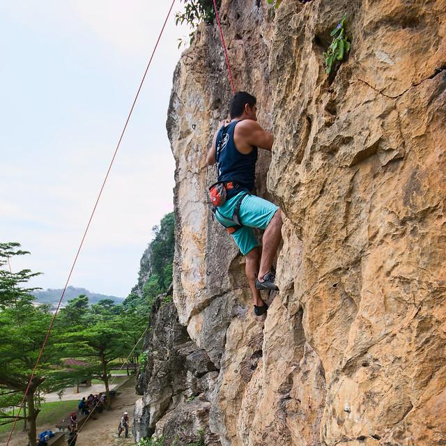 rock climbing batu cave malaysia
