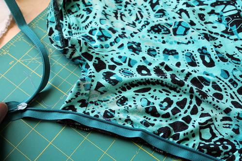 Front bodice w/ zipper