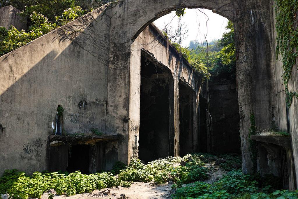 毒ガス貯蔵庫の内部