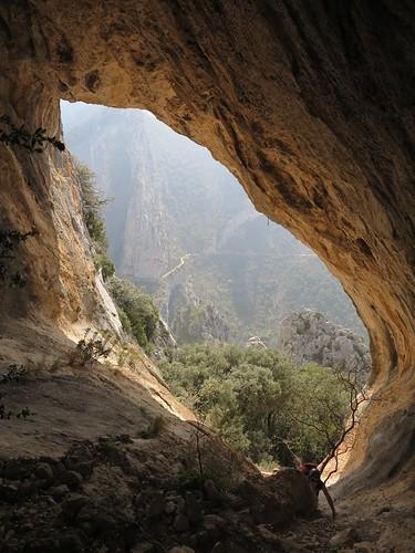 road rock spain arch valley limestone catalunya climbers rockformation abelladelaconca