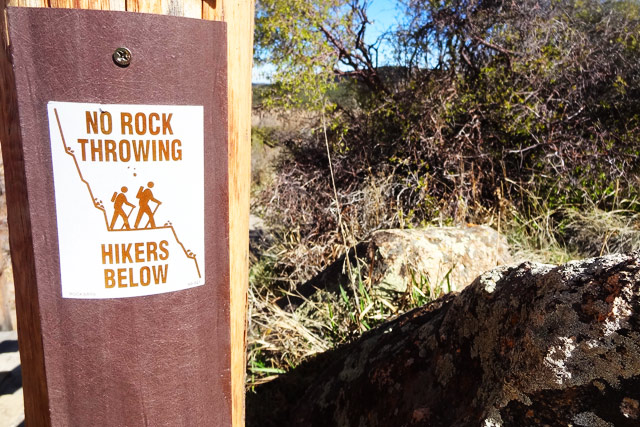 no-rock-throwing