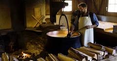 Exkurzia vo Švajčiarsku - syrárne, čokoládovne, hodinárstvo, výroba nožov...