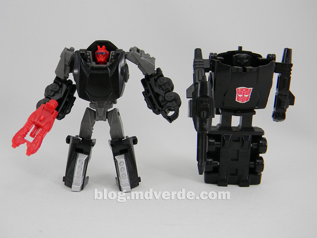 Transformers Scamper - Generations SDCC Exclusive - modo robot vs G1