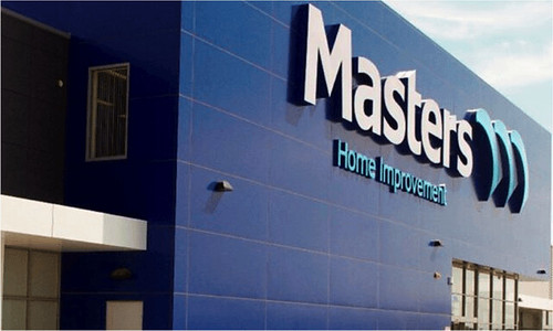 Masters' Sunbury and Roxburgh Park stores make a donation